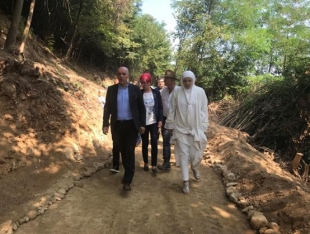 CANTONAL PRIME MINISTER GALIJAŠEVIĆ AND MAYOR BABIĆ, WITH THEIR STAFF, VISITED THE RAVNE SITE AND PROMISED THEIR FULL SUPPORT FOR UPGRADING OF TOURISM INFRASTRUCTURE