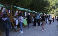 """Sajam u parku """"Ravne 2"""" u sklopu Visočkog omladinskog festivala"""